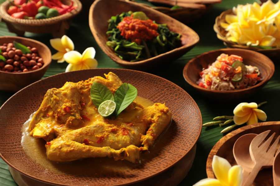 PMG Hotels & Resorts Blog - Four Balinese Foods You Must Try (Ayam Betutu)